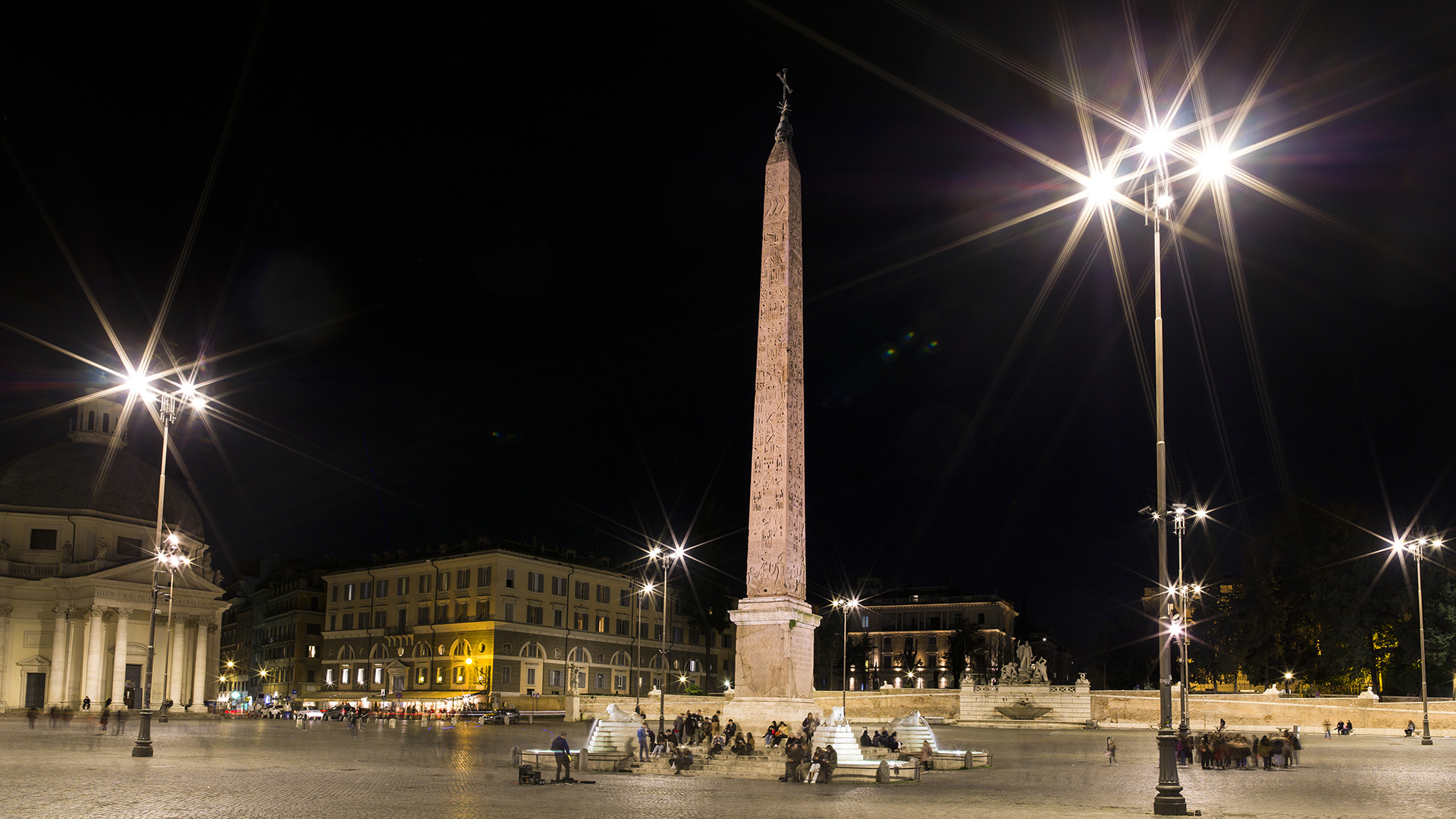 "An image of Piazza del Popolo, featuring the lights involved in the Acea project ""Ai nati oggi"""